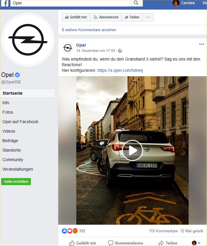 Opel parkt auf dem Radweg