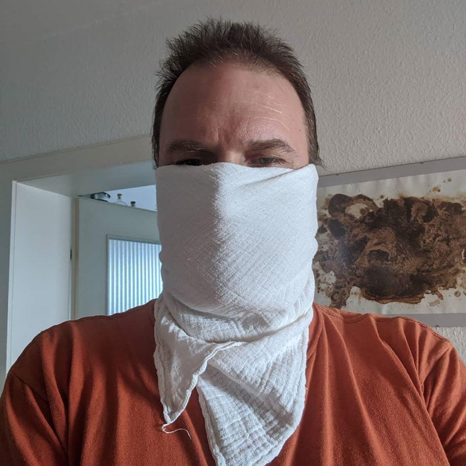 Gesichtsmasken-Selfie